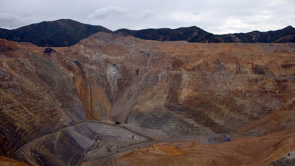 bingham canyon chat sites Used mining equipment and surplus parts from kennecott-utah-copper-bingham-canyon-mine for sale on equipmentmine  in a continued call for larger chat .