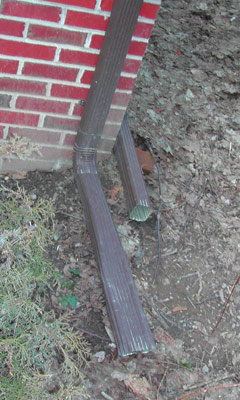 Photo of a poorly installed drain pipe