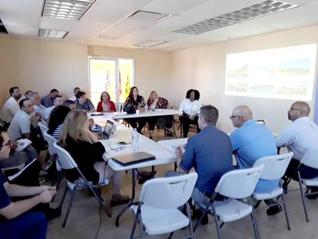 gente en una conferencia en Culebra Puerto rico