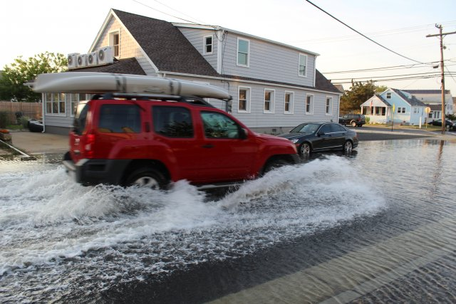 King Tides and Climate Change by the EPA