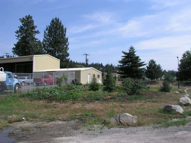 Maintenance buildings at the landfill
