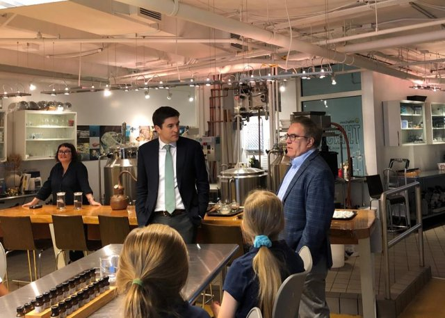 Following the roundtable, Administrator Wheeler and Rep. Steil visited students from Renaissance School in Racine at the lab in Discovery World