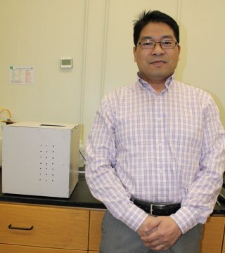 Dr. Qingzhi Zhu of Stony Brook University and the New York State Center for Clean Water Technology in Stony Brook, N.Y.